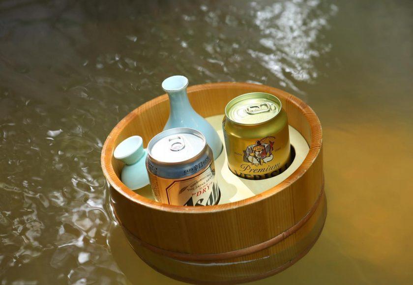 お風呂にお酒を浮かべて